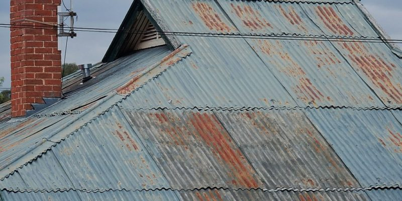 How to Clean Rust on Roofs